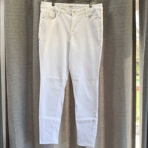 NWOT Old Navy white jeans